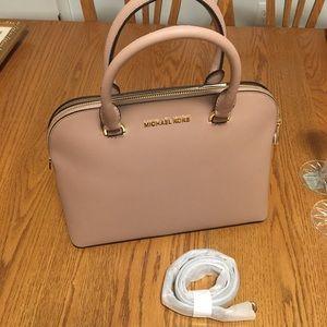 NWT Michael Kors Cindy Lg Dome Satchel leather bag